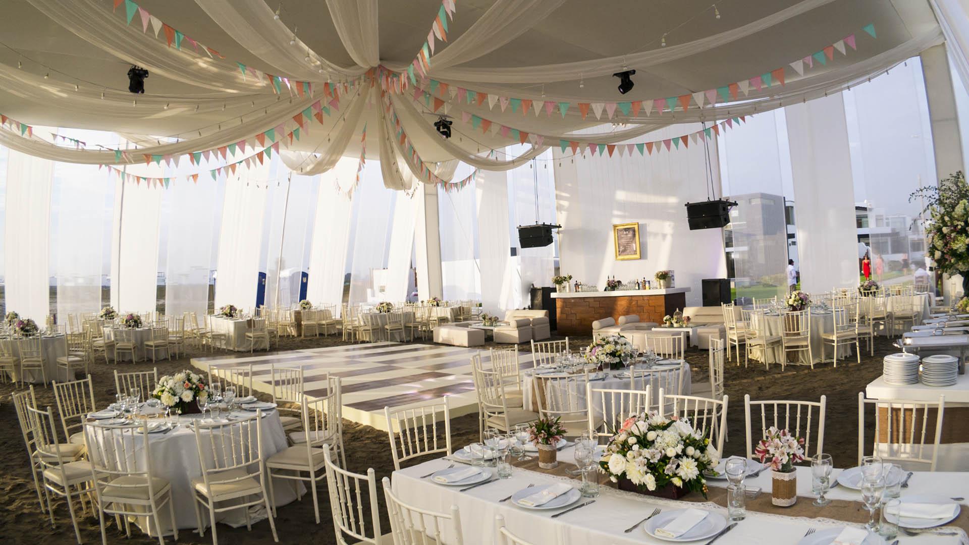 Organizaci n y catering para bodas matrimonios recepci nes lima per tzabar catering - Toldos para la playa ...